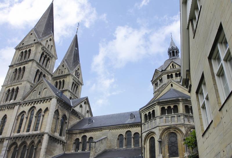 Het 'nieuwe' uiterlijk van de Munsterkerk levert veel discussie op.