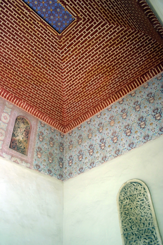 Kleurrijke plafonds.