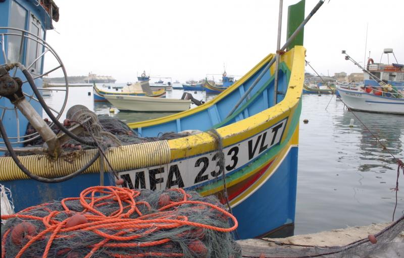 De beroemde felgekleurde vissersboten.