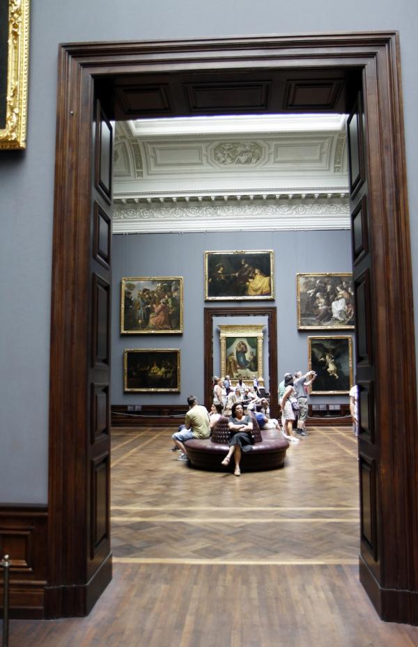 Kamers vol schilderijen van de oude meesters.