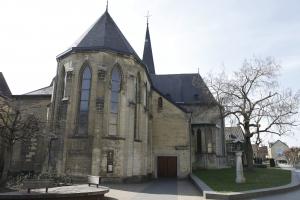 De HH Nicolaas en Barbarakerk in het centrum.