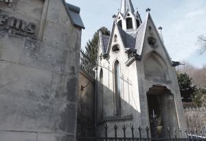 Gedetailleerde kapellen ontwerpt Cuypers voor deze familie.