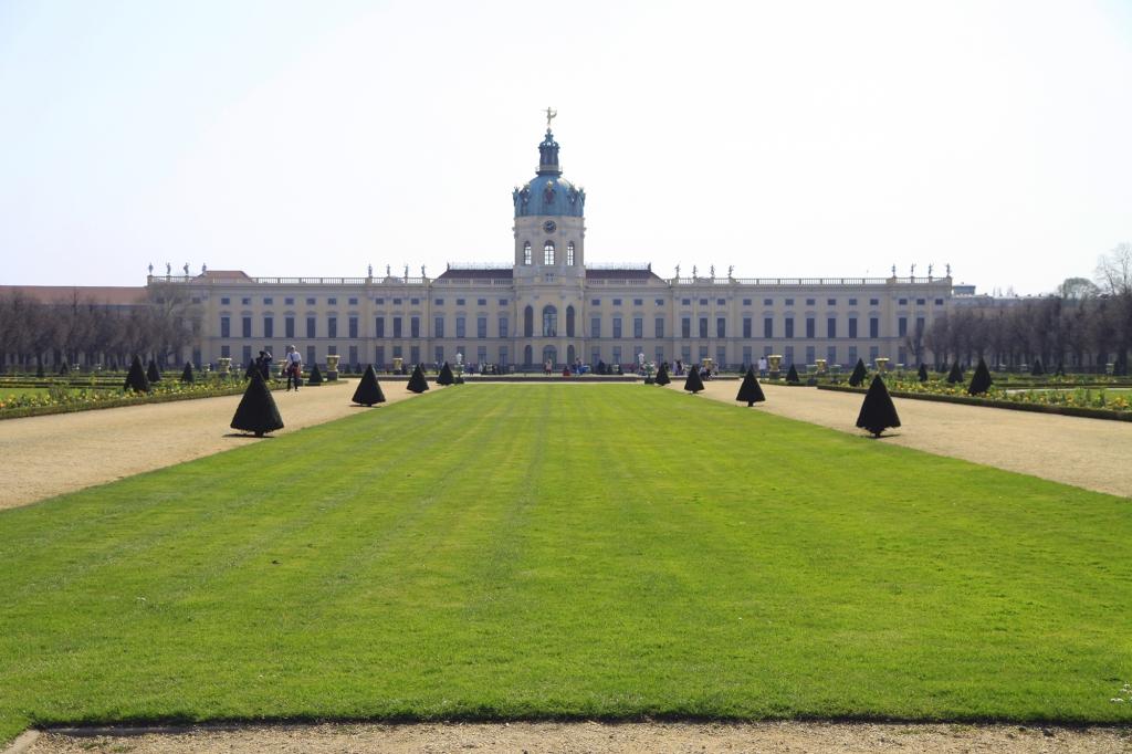 Schloss Charlottenburg is geen klein kasteeltje