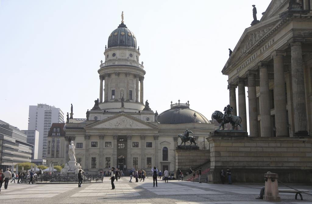Het grote plein van de Gendarmenmarkt