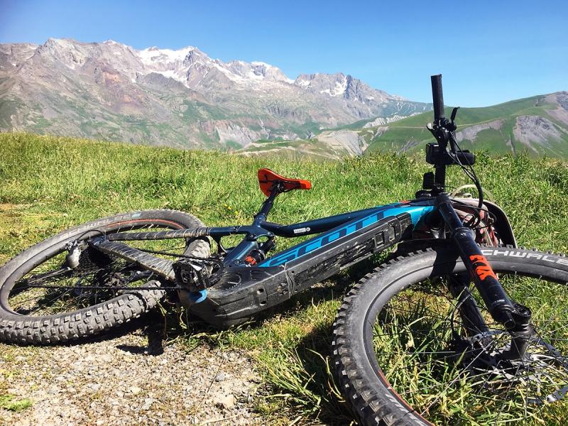 e-mountainbiken bij Les Deux Alpes en Alpe d'Huez in Oisans