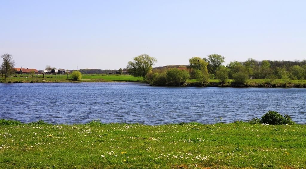 Maas bij Neer