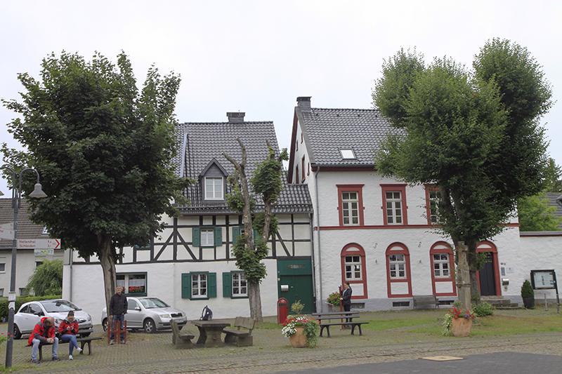 Vakwerkhuizen in Olef